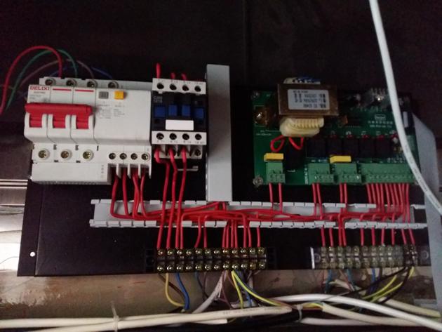 风淋室控制器接线实物图