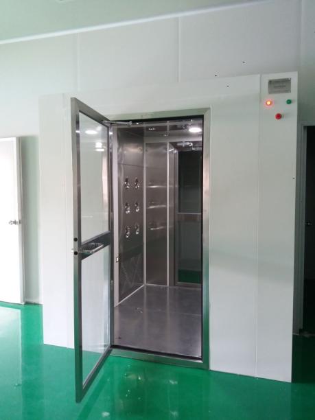 双人风淋门主要用于洁净室工作人员为20人左右设计的。