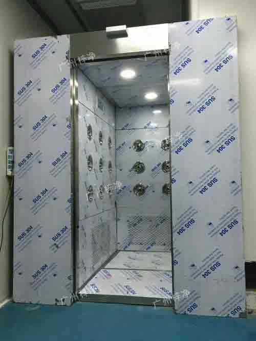 内置自动门风淋室产品特点
