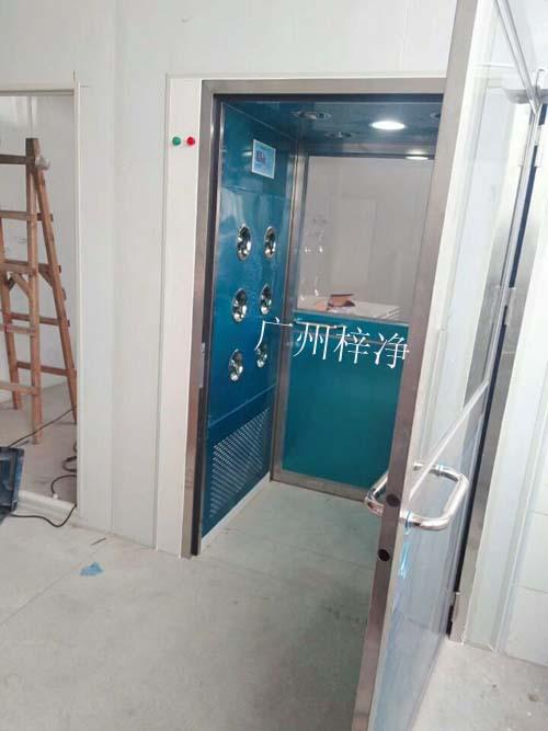 三吹风淋室安装现场