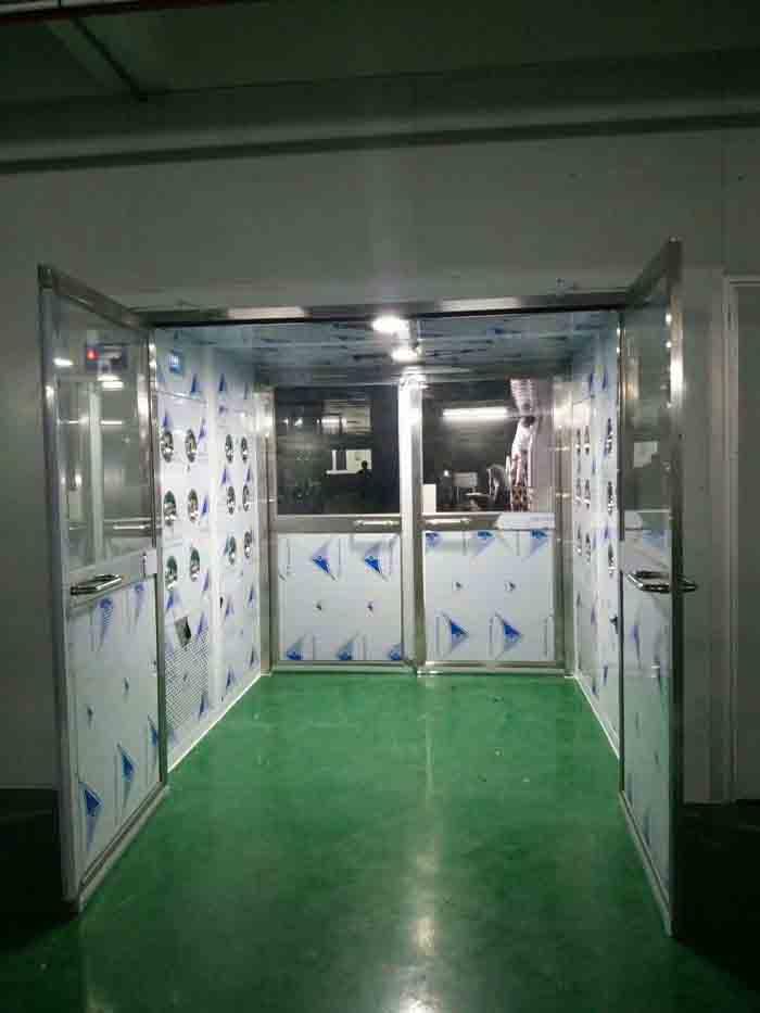 货淋室是货物进入洁净室所必需的通道