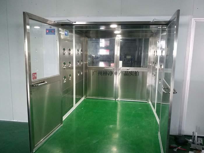货淋室又称为货淋通道,货淋设备,货物风淋室