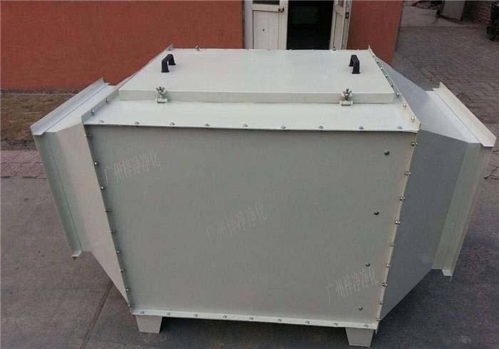 空气过滤箱内部结构装的初效空气过滤器,高效空气过滤器,风机组成。