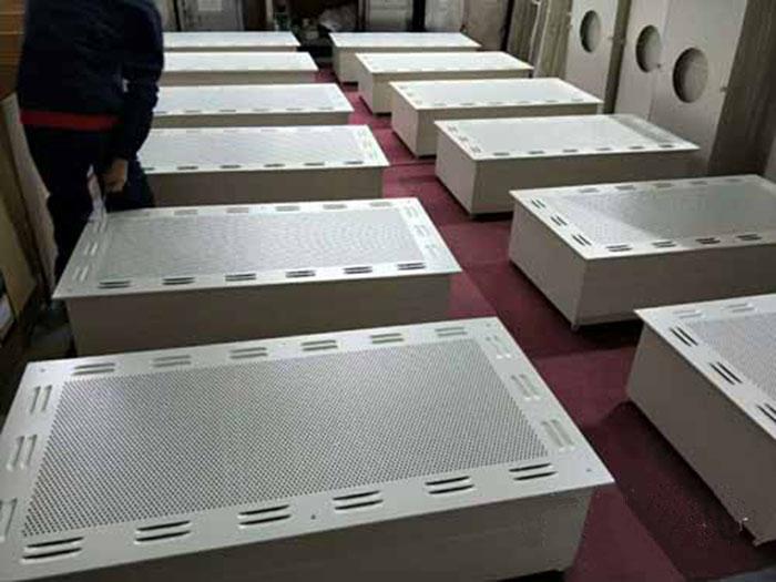 洁净层流罩应用: 广泛用于电子、生物、医药、 食品、精密仪器等行业的无尘无菌操作环境,提供局部高洁净度工作环境。